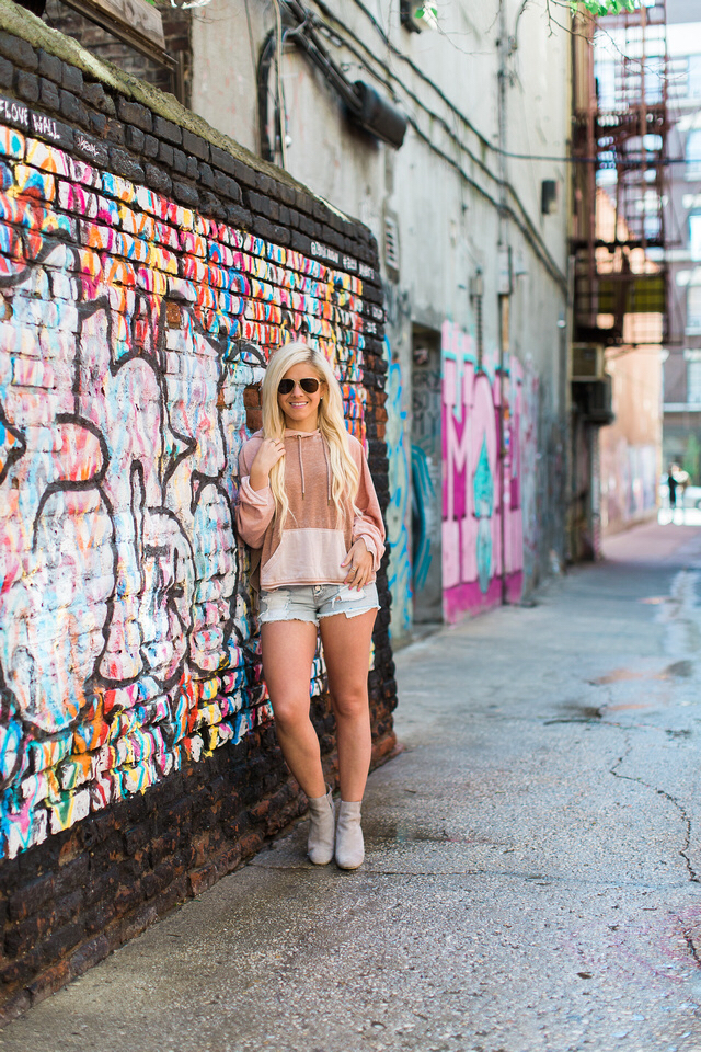 How to Wear a Sweatshirt in the Summer + Nordstrom Giveaway!